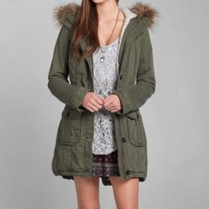 Abercrombie & Fitch Fur Twill Parka in brown.